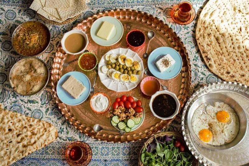 ضمن تنوع در خوراک باید غذاهای ساده را در این ماه مصرف نمود.