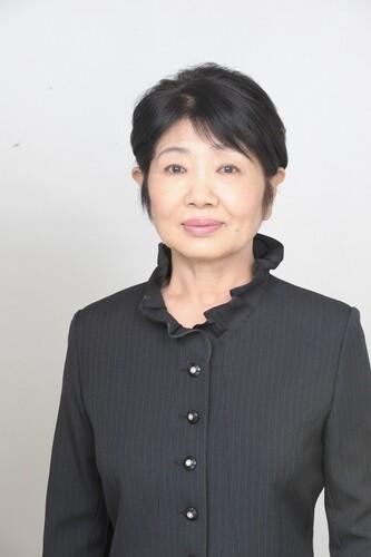 پینکو ایزومی (Pinko Izumi) بازیگر مجموعهی اوشین با هاشیدا رابطهی نزدیکی داشت و بر بالین وی حاضر بود.