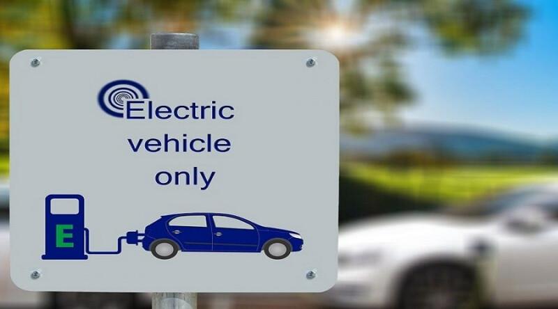 برنامهی Clean Cars 2030 در آستانهی تبدیل شدن به قانونی برای حذف خودروهای غیرالکتریکی است.