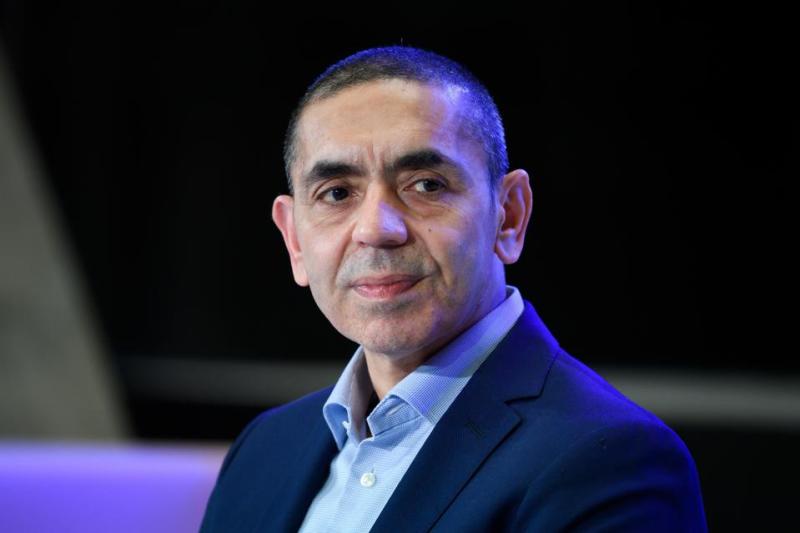 Uğur Şahin (اوگور شاهین) ، بنیانگذار واکسن تاج ماینتس BioNTech.