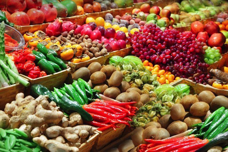 به احتمال زیاد ، بسیاری از غذاهایی که به طور منظم می خورید سرشار از آنتی اکسیدان هستند.