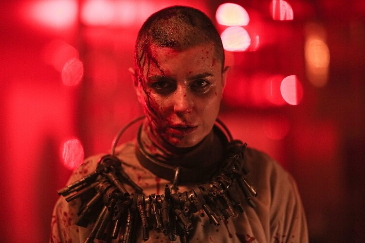 گریم لیلا حاتمی در فیلم قاتل وحشی