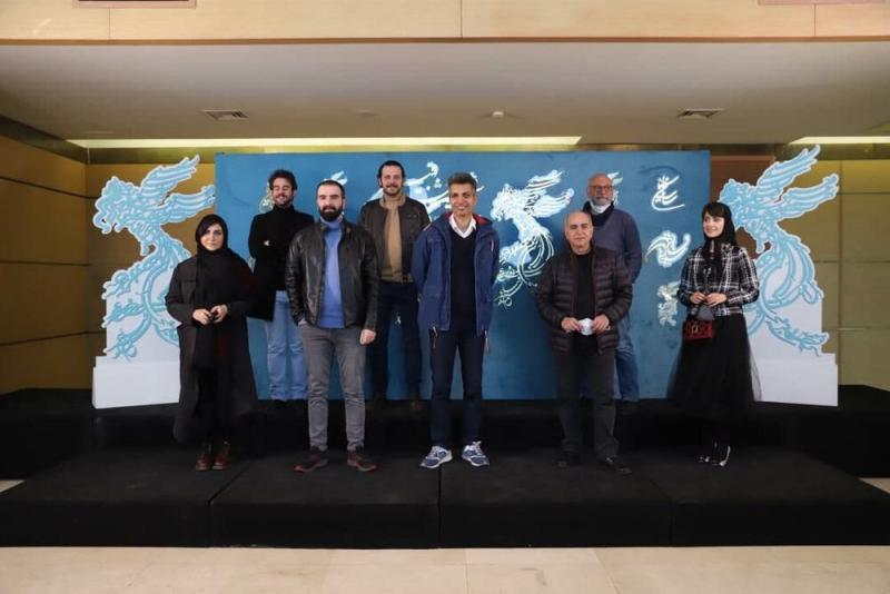 تصویر دسته جمعی بازیگران بدون ماسک به همراه عادل فردوسیپور